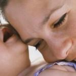 Quien propone celebrar a los padres y madres?