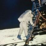 Que se hizo la primera vez que se llego a la luna?