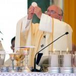 Multitudinaria convocatoria en la Primera Misa del Papa Francisco en Paraguay