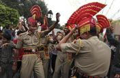 india-independence-day-photo-india-independence-day-pictures-stills-pak-joint-check-post-of-1339769