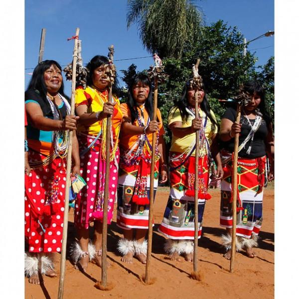 paraguay-women_1619794i
