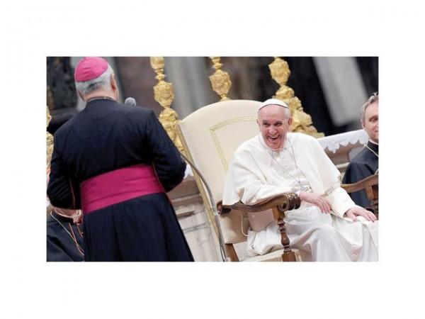 parroquias-reciben-ofrendas-dia-caridad-el-papa