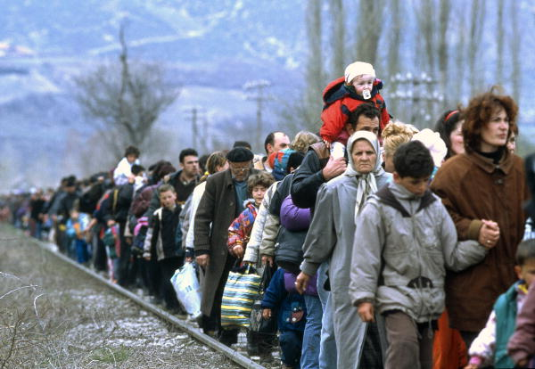 Kosovar refugees fleeing their homeland. [Blace area, The former Yugoslav Republic of Macedonia]