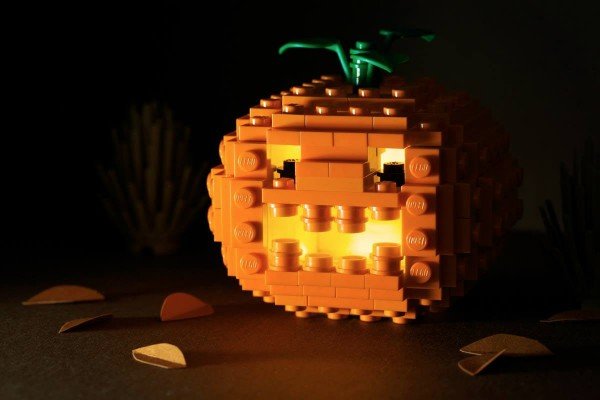 Feliz-Halloween-con-LEGO-600x400