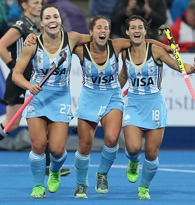 LONDON, ENGLAND - JUNE 26: Noel Barrionuevo, Rocio Sanchez and Pilar Romang celebrate victory over Netherlands during the FIH Women's Hockey Champions Trophy 2016 final match between Netherlands and Argentina at Queen Elizabeth Olympic Park on June 26, 2016 in London, England.  (Photo by Alex Morton/Getty Images)