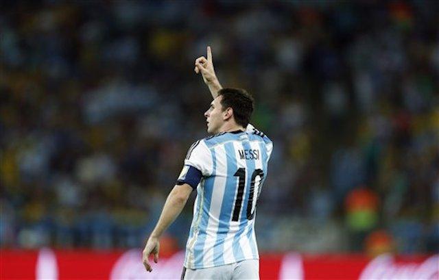 Lionel Messi, de Argentina, celebra luego de anotar el segundo gol de su selecciÛn frente a Bosnia-Herzegovina en un cotejo del Grupo F de la Copa del Mundo, el domingo 15 de junio de 2014, en el Maracan· de RÌo de Janeiro (AP Foto/Felipe Dana)