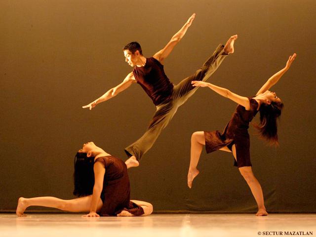 Miles-de-bailarines-celebran-Dia-Internacional-de-la-Danza