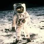 Como fue el primer paso de Armstrong en la luna?