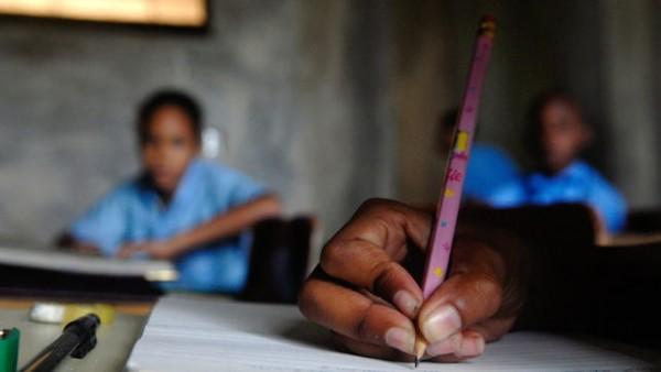 Rep-Dominicana-alfabetizacion-alcanzara-personas_EDIIMA20130105_0003_4