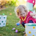 Busqueda de huevos en Pascua: Imágenes de Huevos de Pascua y conejitos de chocolate